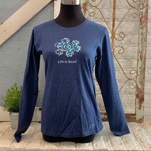 LIFE IS GOOD long sleeve snowflake shirt size S